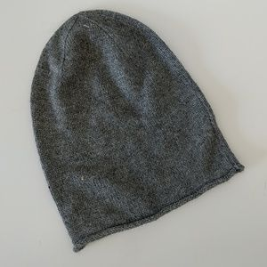 Mossimo pair of gray and ivory beanies NWT